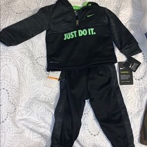 NWT nike toddler boy size 12 month tracksuit